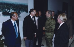 U.S. wheat farmers met with Cuban leader Fidel Castro.